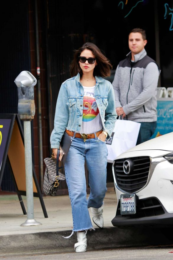 Eiza Gonzalez Out for lunch Pics in Studio City