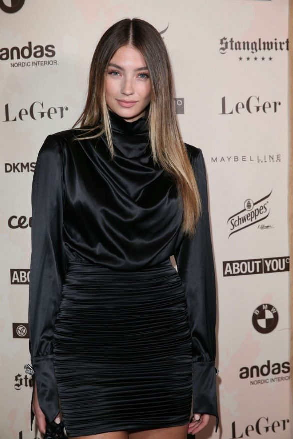 Lorena Rae Pics At Lena Gercke X About You Christmas Dinner