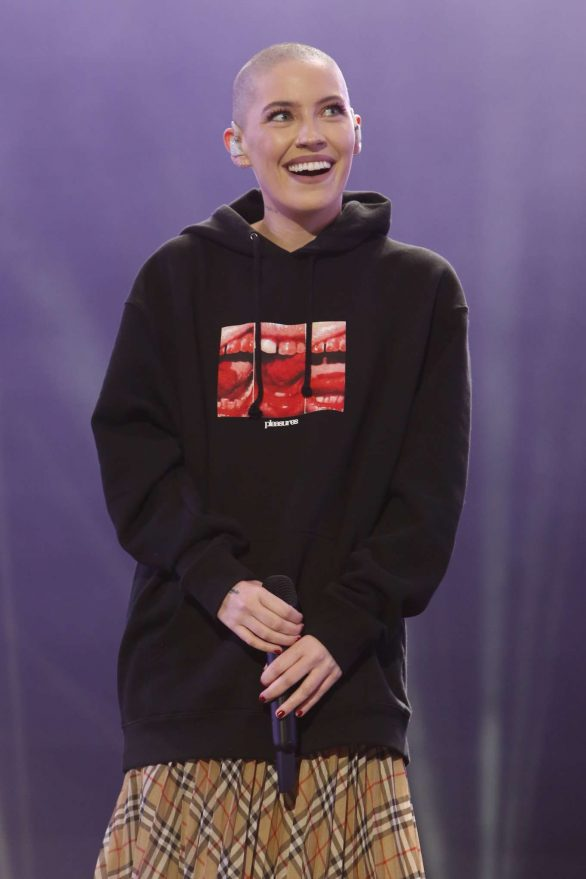 Bishop Briggs Pics while Visiting Jimmy Kimmel Live! in Hollywood