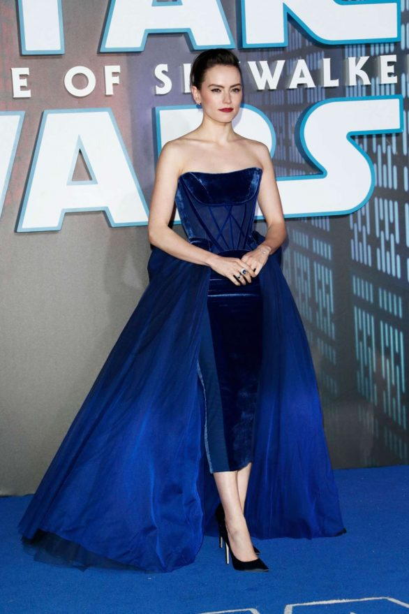 Daisy Ridley lead red carpet at Star Wars: The Rise of Skywalker premiere as JJ Abrams pays tribute to Carrie Fisher