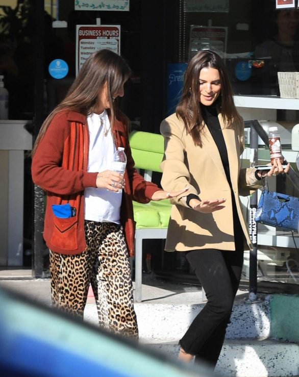 Emily Ratajkowski Pics While Seen with a friend while out in Los Angeles