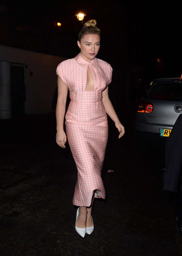 Florence Pugh Arrive at Soho Hotel in London