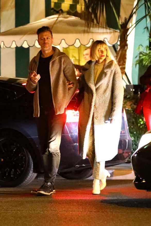 Jaime King and husband Kyle Newman Photos while Exit dinner at San Vincent Bungalows in West Hollywood