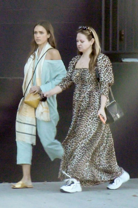 Jessica Alba Pics while Out with a friend in Los Angeles