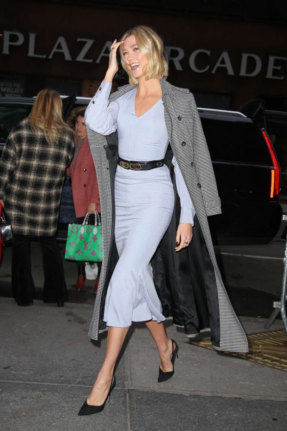 Karlie Kloss Pics in Long Coat – Out in New York