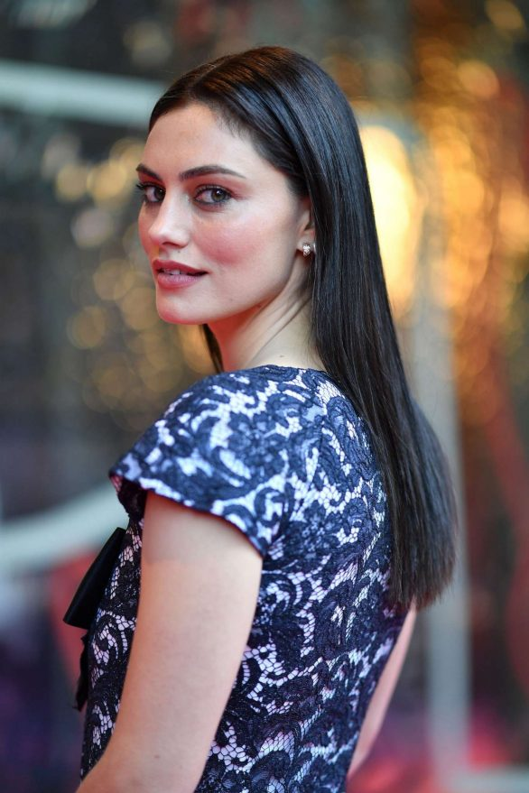 Phoebe Tonkin Pics at NGV Gala in Melbourne