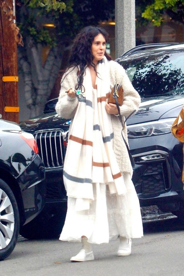 Rumer Willis Goes to a salon with a friend in Hollywood