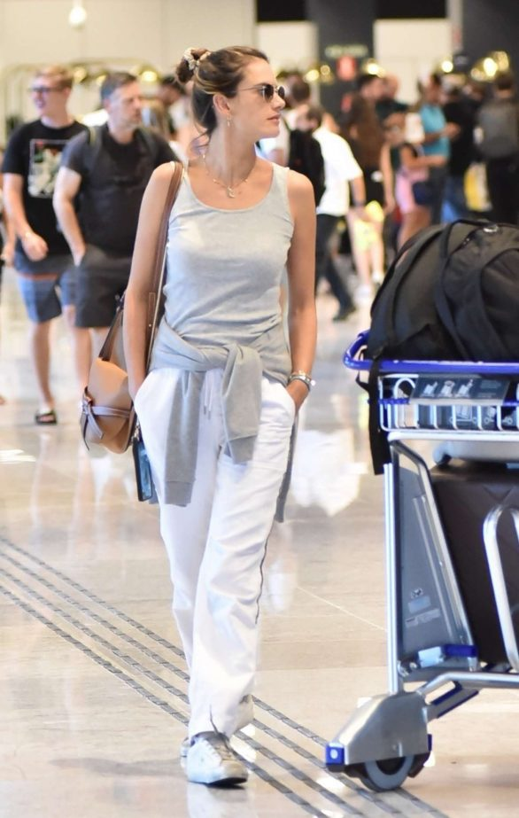 Alessandra Ambrosio Photos While Arriving in Florianopolis