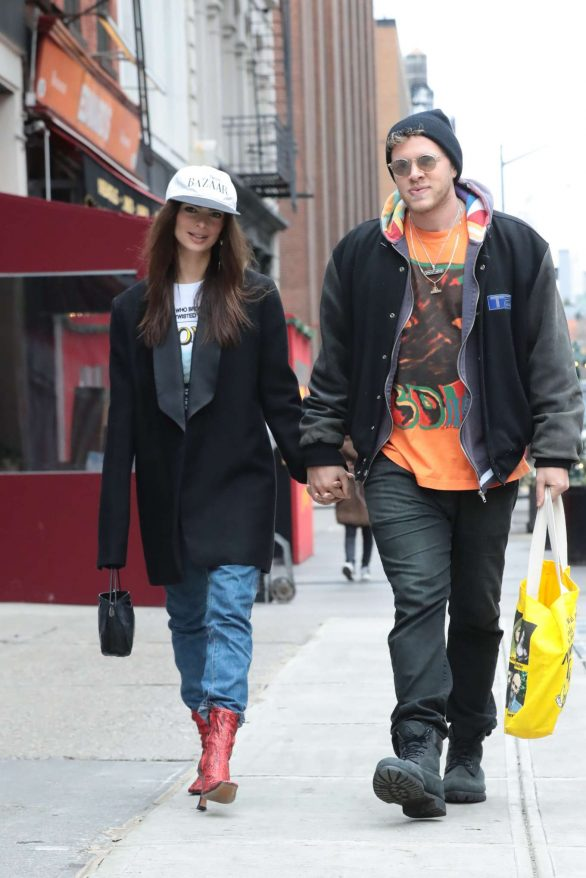Emily Ratajkowski and Sebastian Bear-McClard Pics Out in New York