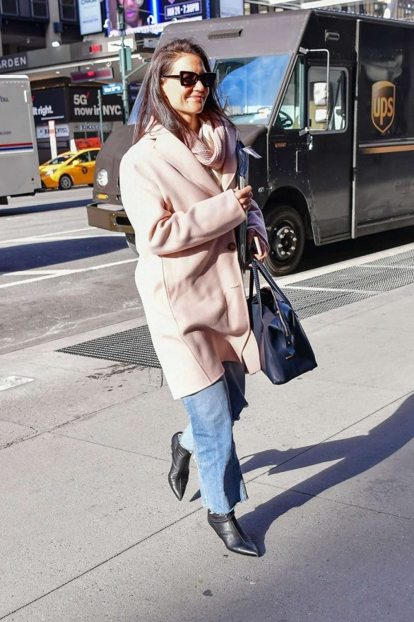 Katie Holmes Pics While Heading to a casting call in NYC