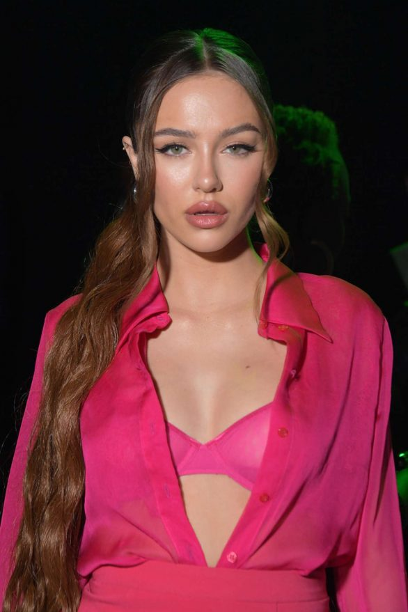 Delilah Hamlin – Christian Cowan fall-winter 2020 New York Fashion week