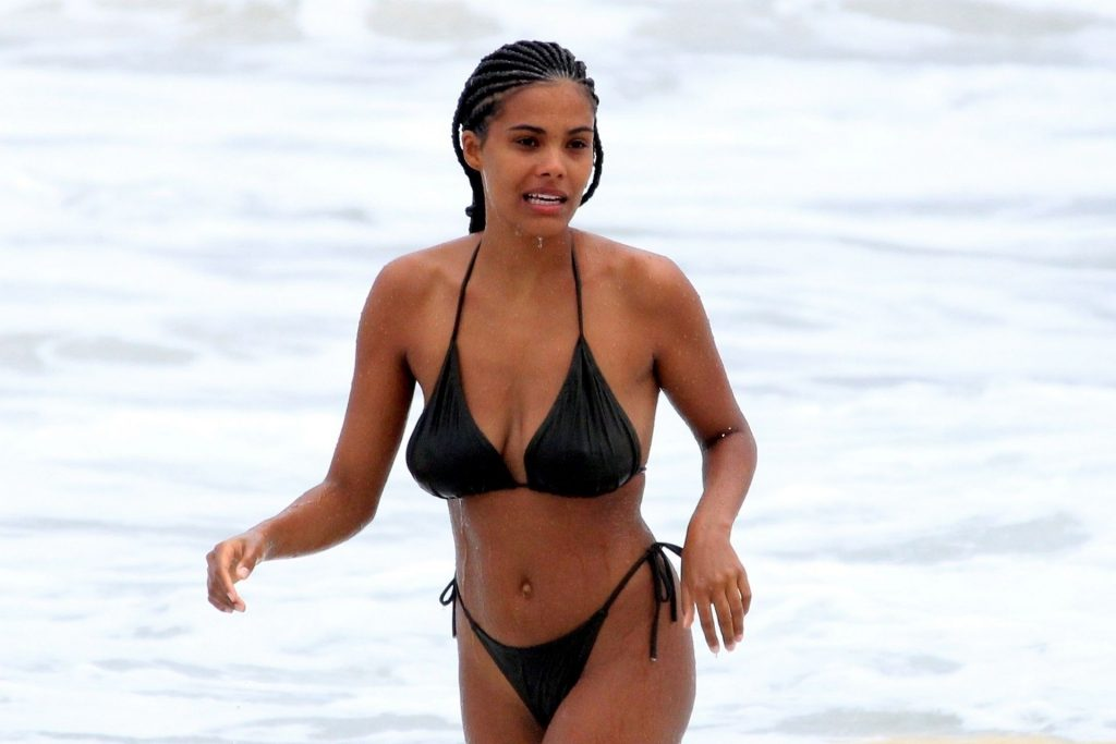 Tina Kunakey Pics While Spotted on the beach in Rio