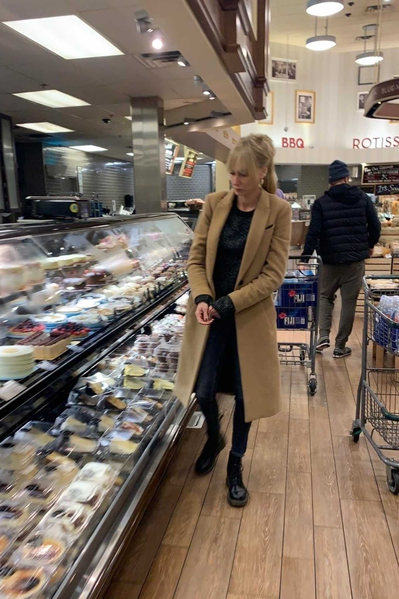 Kimberly Stewart and Jesse Shapira Shopping at Bristol Farms in Beverly Hills