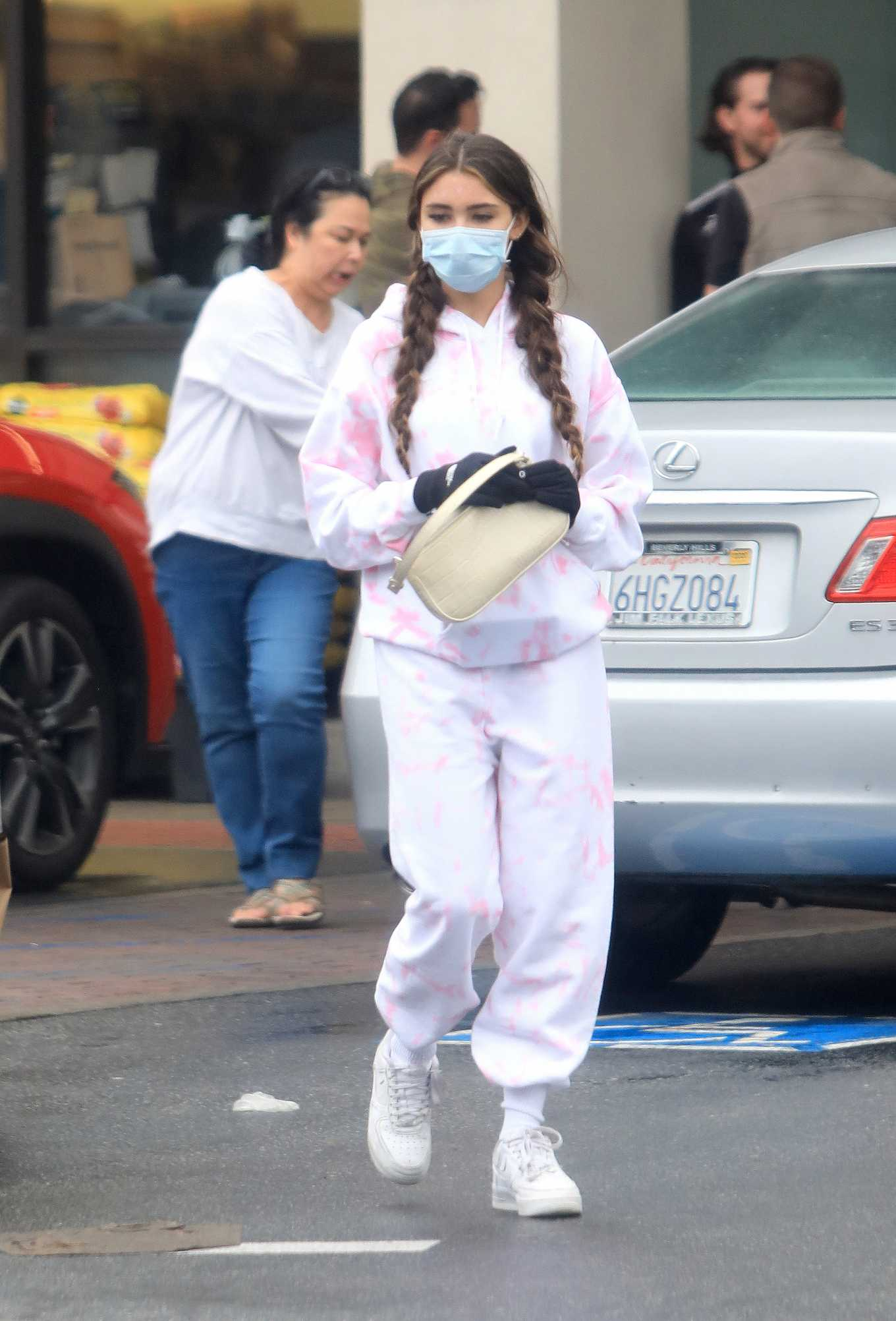 Madison Beer Shopping at a grocery store in Los Angeles