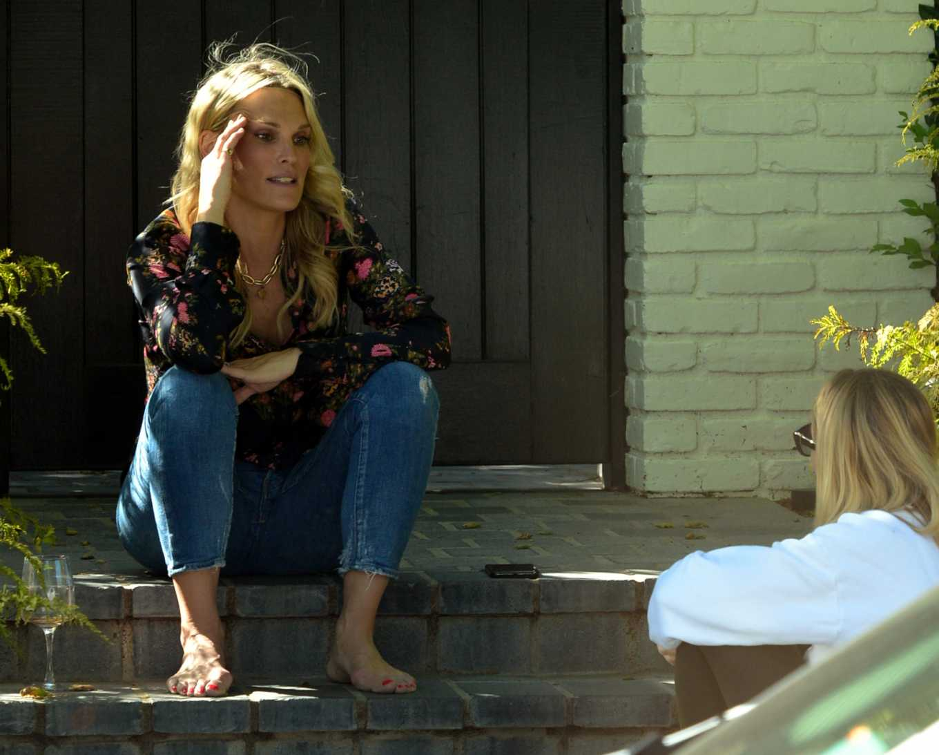 Molly Sims spotted on her doorstep in Pacific Palisades