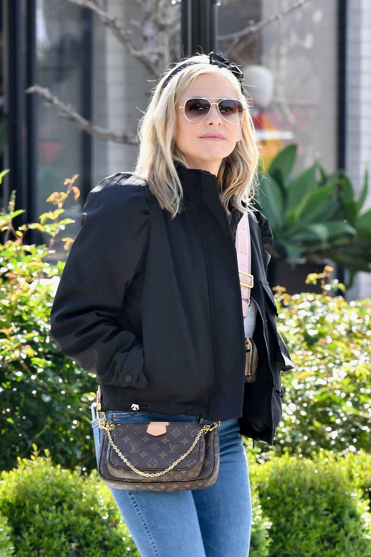 Sarah Michelle Gellar Out for shopping in Pacific Palisades