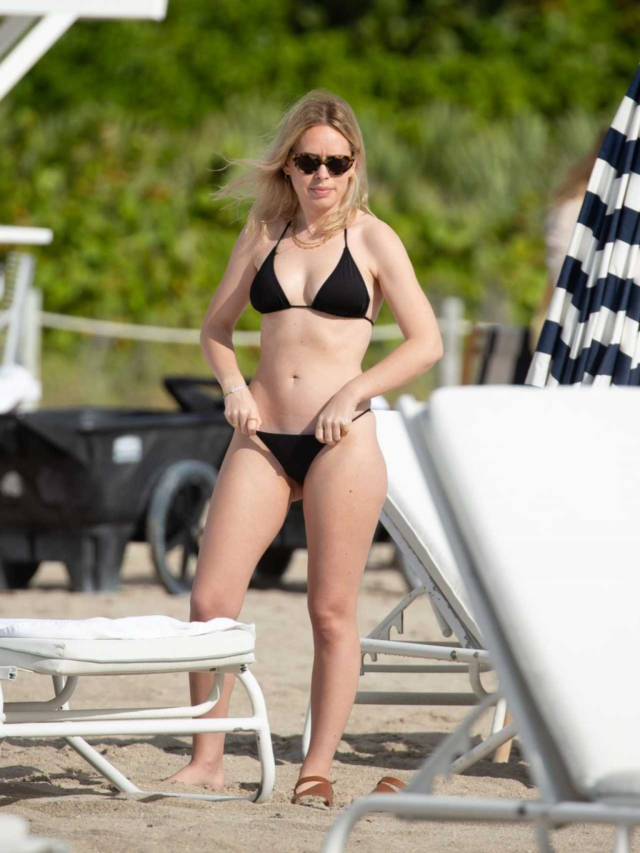 Tanya Burr Spotted on the Beach in Miami