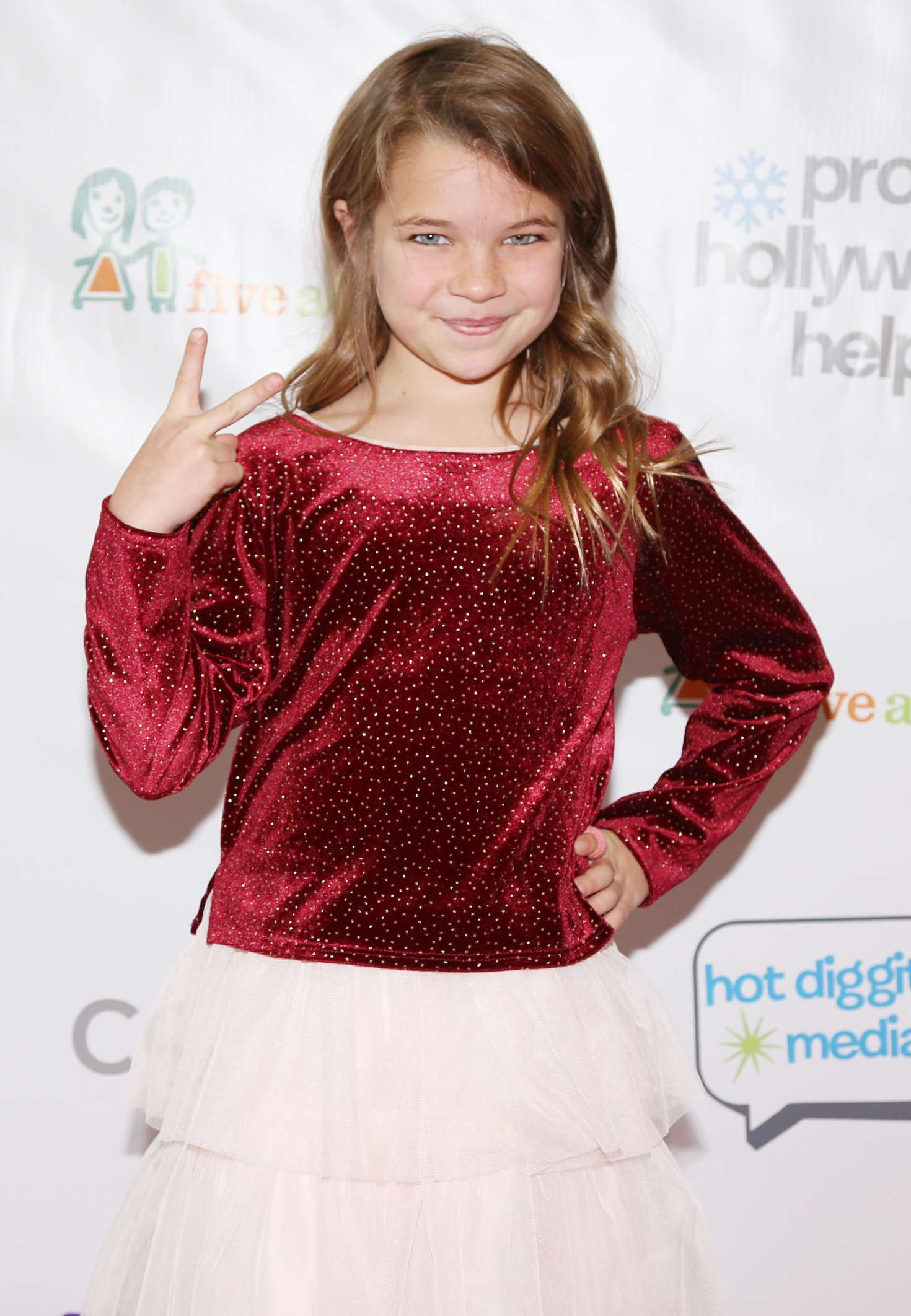 Raegan Revord – Project Hollywood Helpers Event in Los Angeles_05