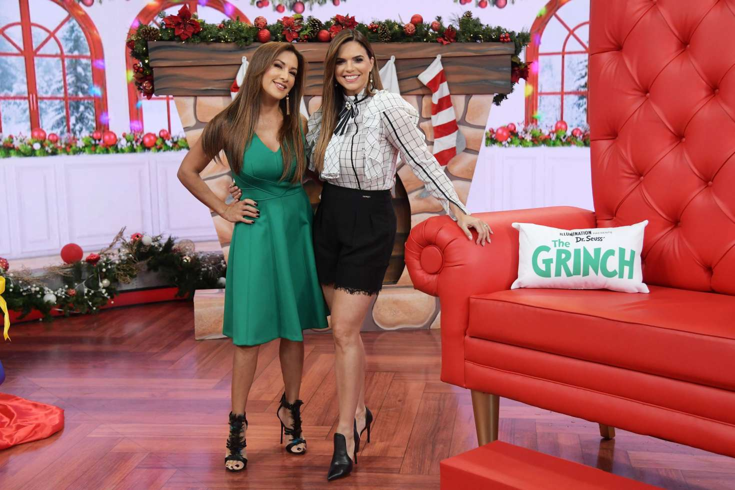 Rashel Diaz – The Grinch Takeover At Un Nuevo Dia In Miami-01