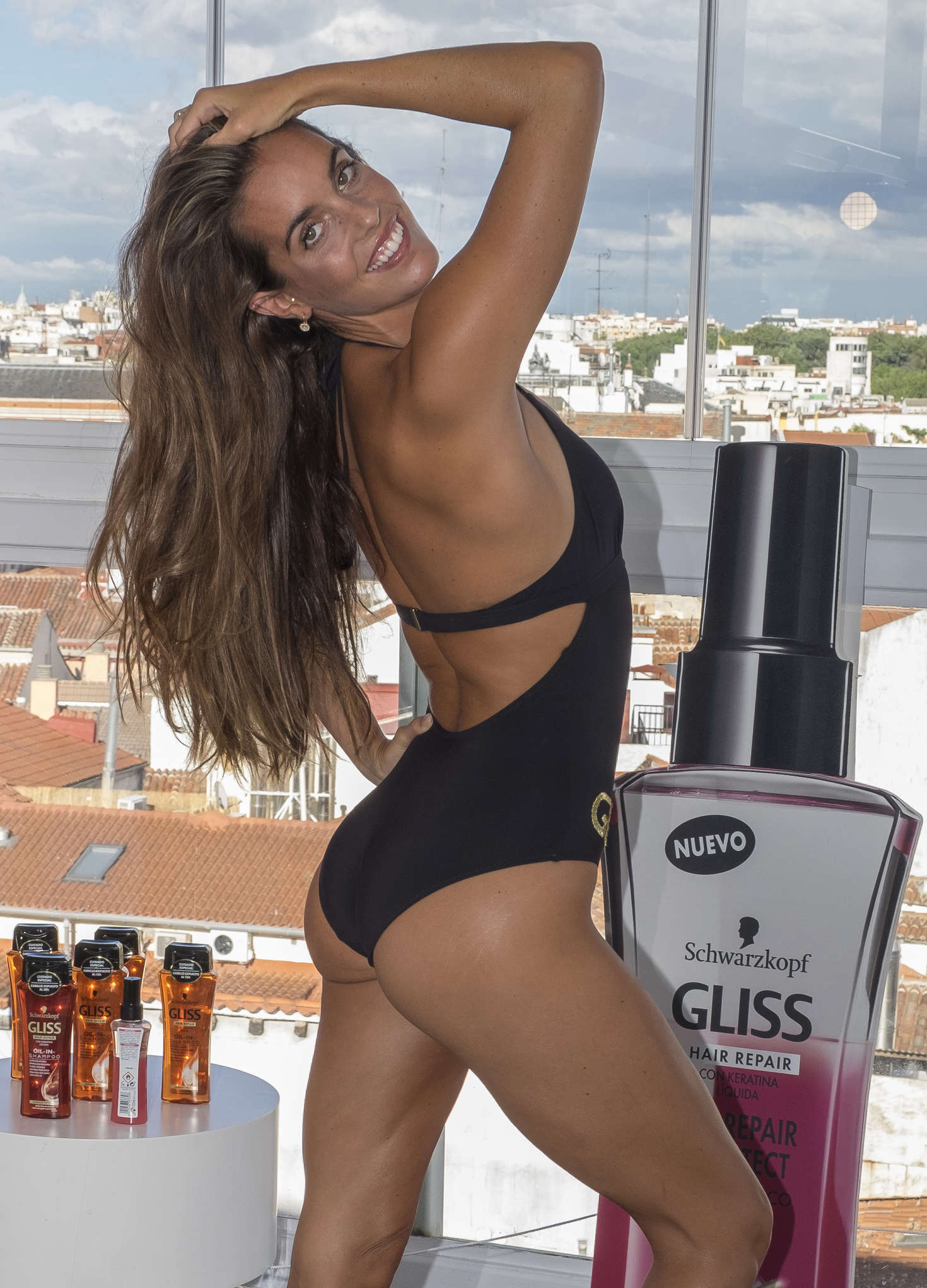 Ona Carbonell – Photocall for Schwarzkopf Gliss Oil in Madrid-05