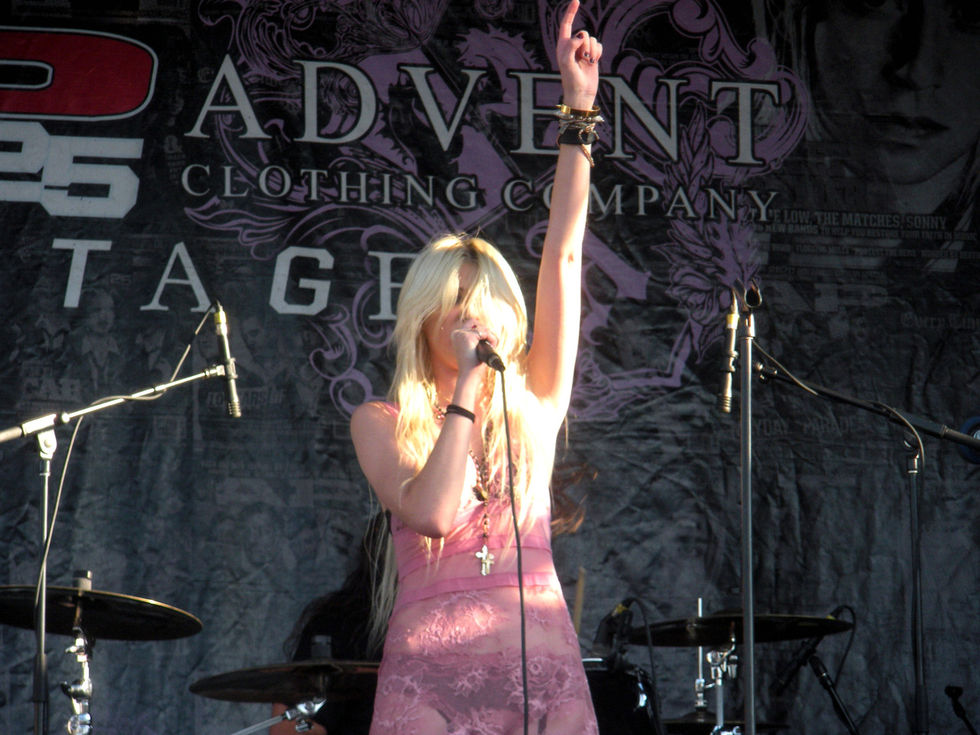 Taylor Momsen – Vans Warped Tour in Pomona-01