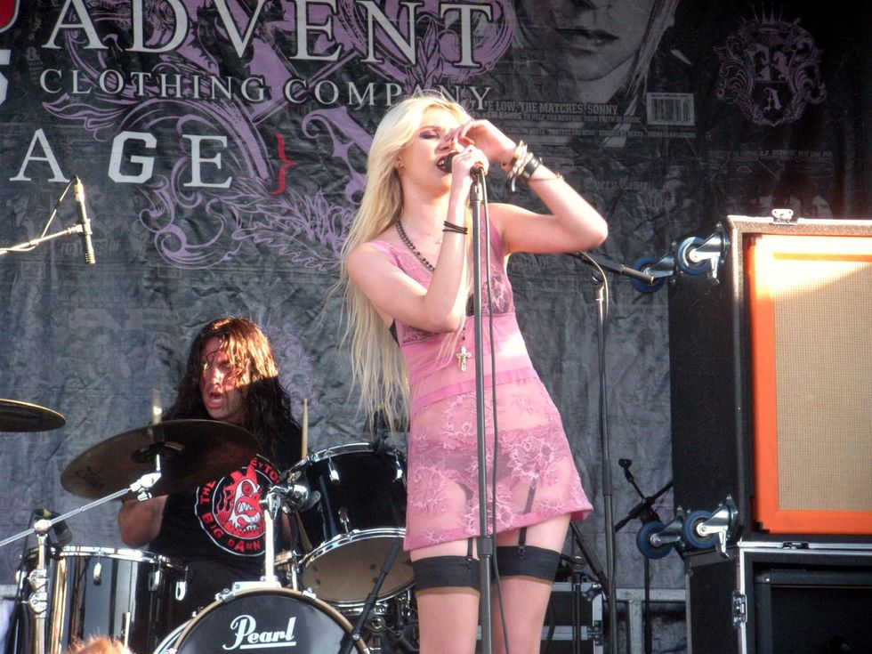 Taylor Momsen – Vans Warped Tour in Pomona-02